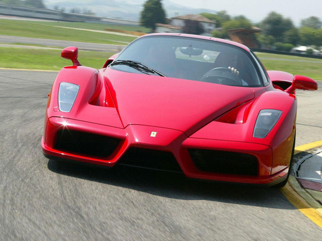 Đại gia đổi đảo hoang lấy siêu xe Ferrari Enzo 2