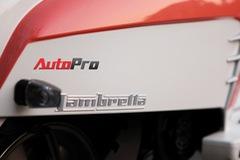 """Lambretta LN125: """"Hồn"""" xe ga, """"da"""" xế cổ"""