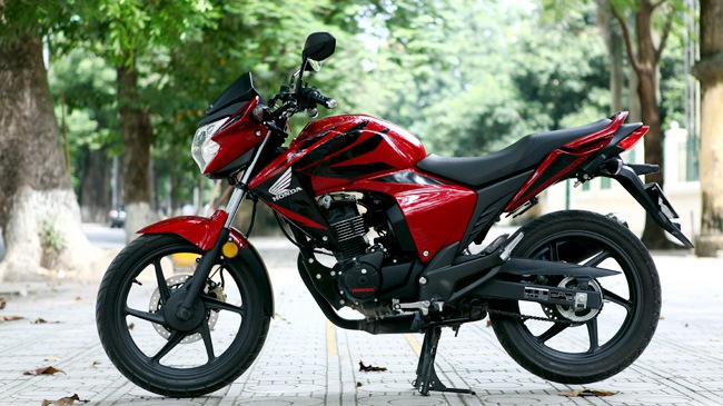 "Honda RR150 - Naked bike ""lai"" Touring"